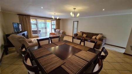 3 Bed Townhouse in Beacon Bay