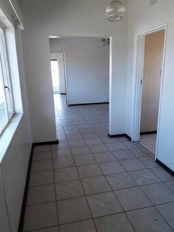 1 Bed Apartment in De Beers