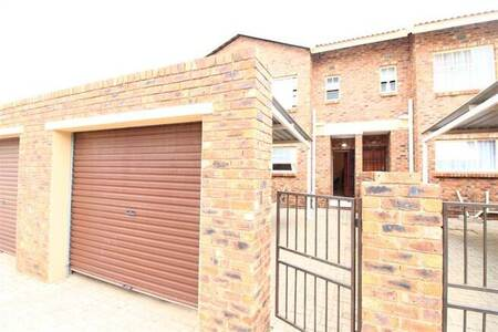 2 Bed Townhouse in Crystal Park