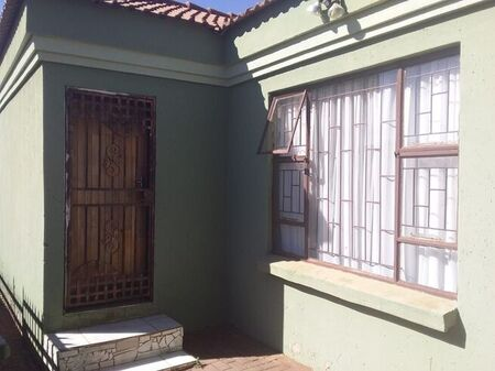 3 Bedroom House For Sale in Ikageng