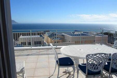 2 Bed House in Simons Town