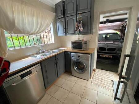 4 Bed Townhouse in Sunward Park
