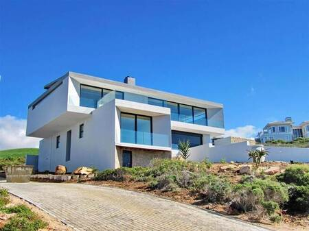3 Bed House in Pinnacle Point Golf Estate