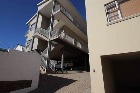 2 Bed Flat in Mossel Bay Central