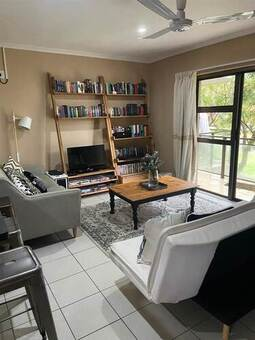 2 Bed Apartment in Paradyskloof