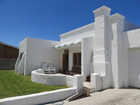 2 Bedroom House For Sale in Palmiet