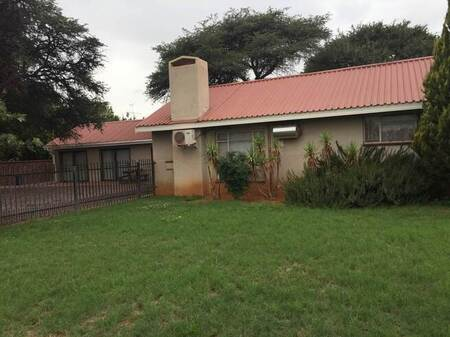 8 Bed House in Kathu