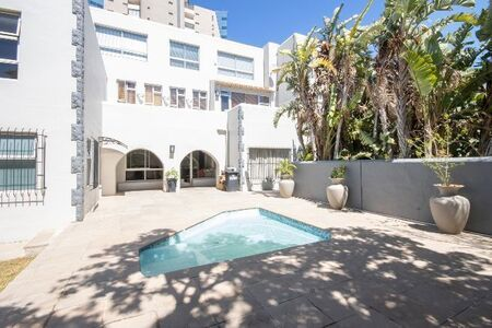 Immaculate Apartment – Perfectly Positioned 400m From The Beach!!