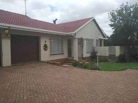 4 Bed Townhouse in Sharon Park