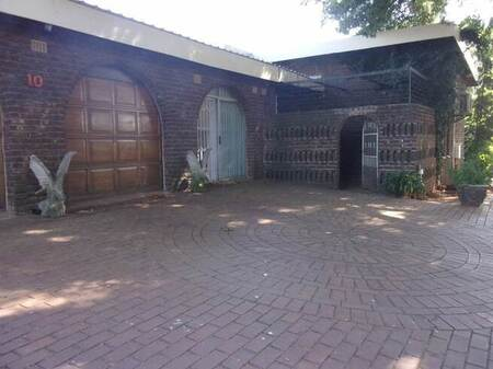 4 Bed House in Fairleads