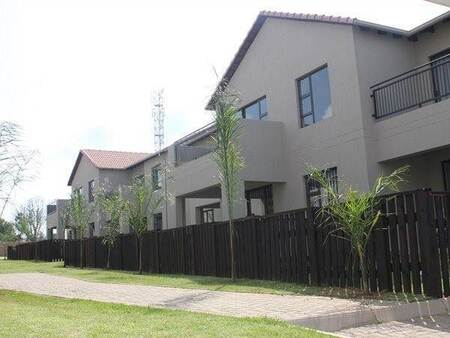 2 Bed Townhouse in Brentwood Park