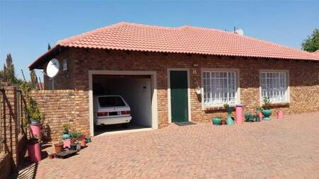 2 Bed Townhouse in Bergsig
