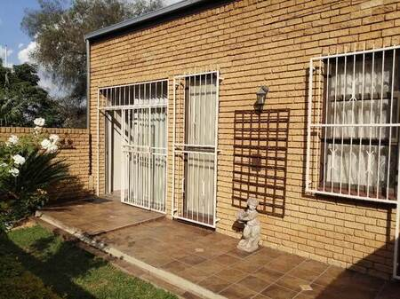 2 Bed Townhouse in Heidelberg Central