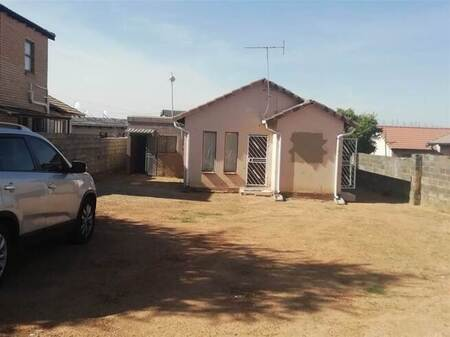 2 Bed House in Norkem Park