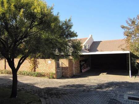 3 Bed Townhouse in Amberfield