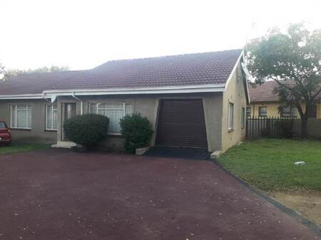 3 Bed House in Bergsig