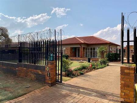 1 Bed House in Kempton Park Central