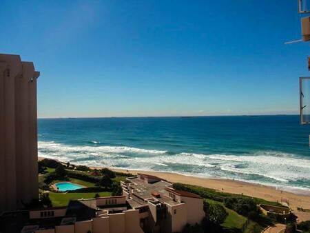 2 Bed Apartment in Umhlanga Rocks