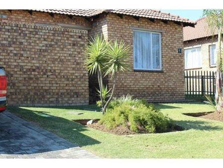 3 Bed House in Esther Park