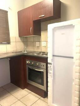 Bachelor apartment in Braamfontein