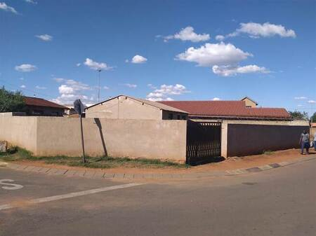 2 Bed House in Naledi