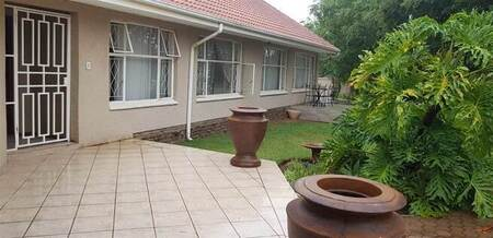 4 Bed House in Greenhills
