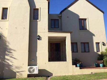 3 Bed House in Devonvale Golf & Wine Estate