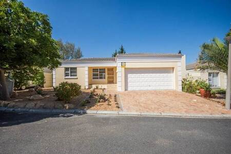 2 Bed House in Somerset Ridge