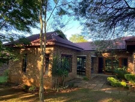 2 Bed Apartment in White River Country Estate