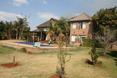 5 Bed House in White River Central