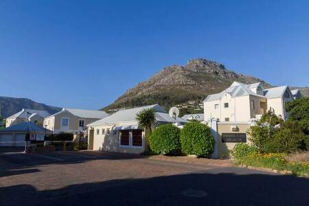 1 Bed Apartment in Hout Bay and surrounds