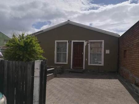 2 Bed House in Mitchells Plain