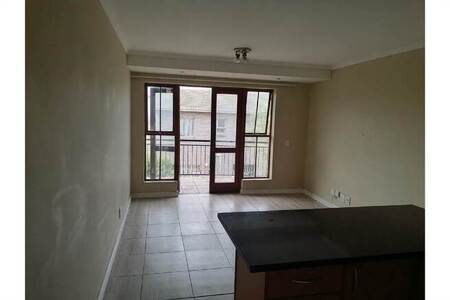 2 Bed Apartment in Bloubergrant