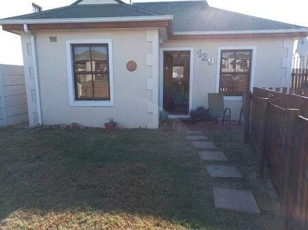 2 Bedroom House To Let in Milkwood Park