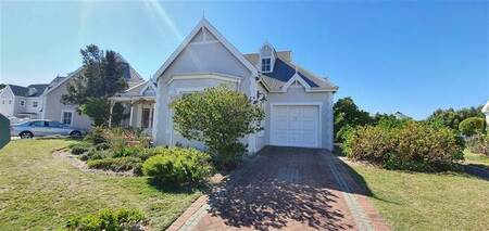 3 Bed House in Greenways Golf Estate