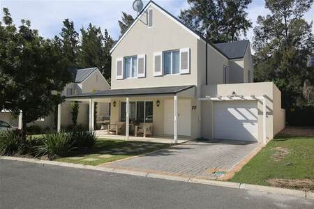 3 Bed House in Jamestown