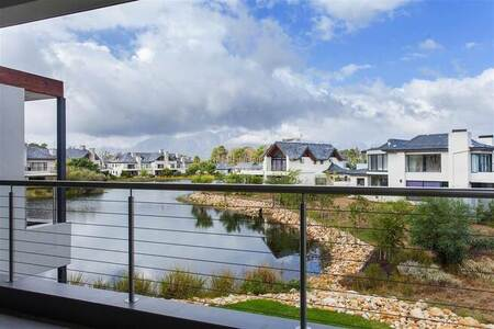 1 Bed Apartment in Pearl Valley