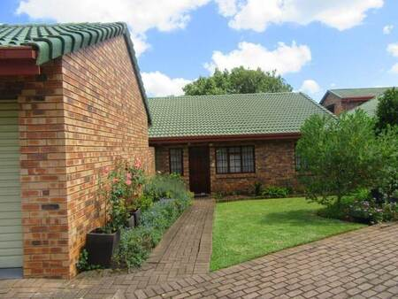 3 Bed House in White River Central