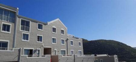 4 Bed Apartment in Simons Town