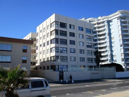3 Bedroom Apartment/Flat to Rent in Strand North