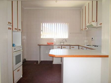 Two Bedroom Apartment / Flat to Rent in Strand Central