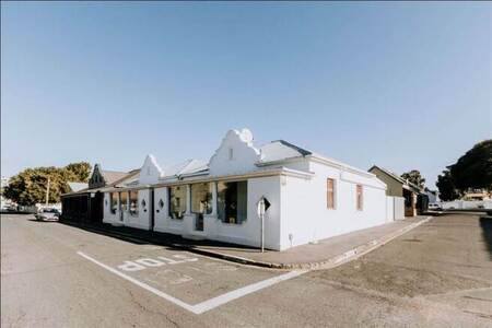 1 Bed House in Strand South