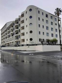 1 Bed Apartment in Strand North