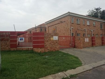 1 Bedroom Flat For Sale in Dassie Rand