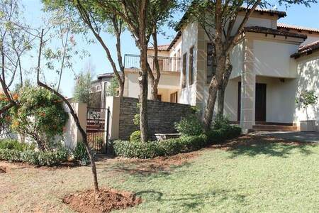 4 Bed House in Featherbrooke Estate
