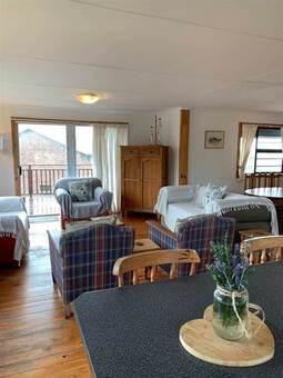 2 Bed House in Cove Rock