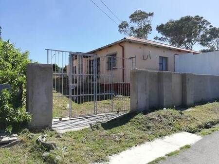 3 Bed House in Lennox Estate