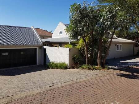 3 Bed House in Featherbrooke Estate