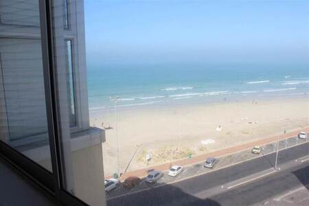 3 Bed Apartment in Strand North