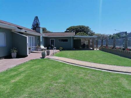 5 Bed House in Strand South